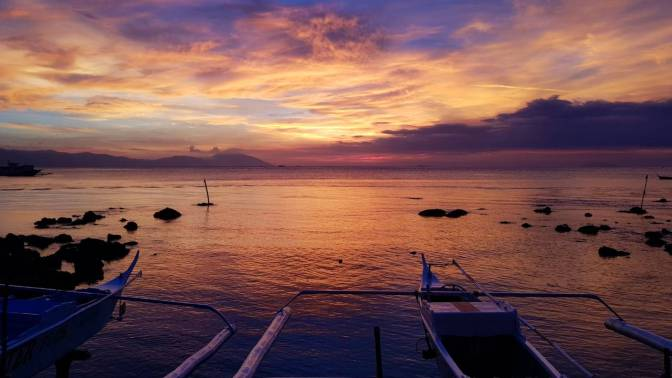 Tingloy, Batangas. Photo by Winds Quetua. @heyowinds